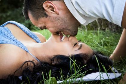 Cheating, pregnancy scares & exes: The most common relationship dreams & their meanings
