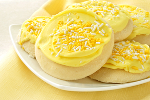 Iced lemon biscuits