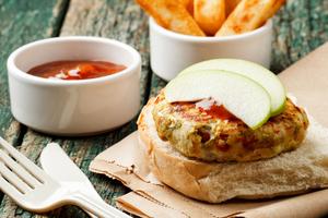 Apple and turkey burgers