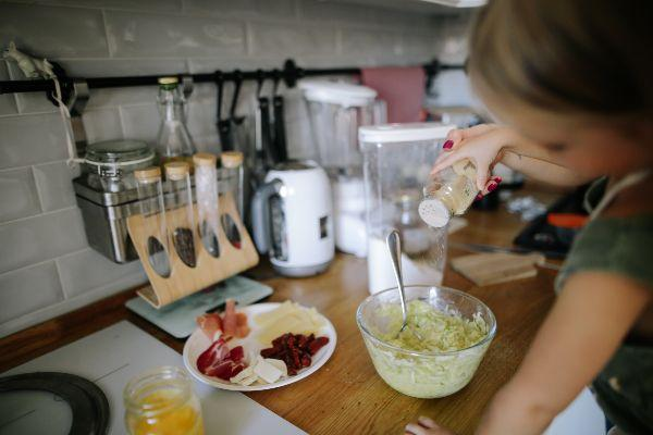 5 reasons why our kids should be cooking
