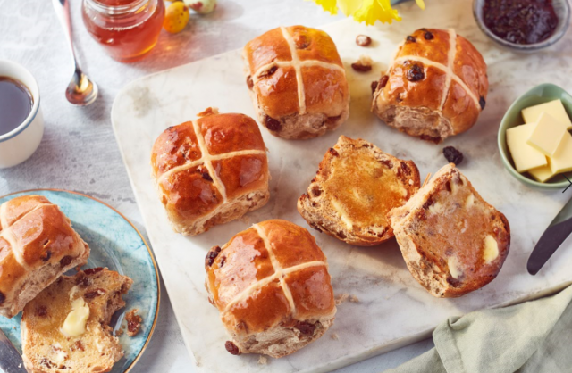 Drop everything: Iceland is selling a 'Hot Cross Bun Cheesecake' for Easter