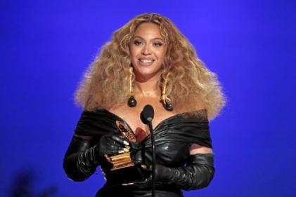 Beyoncé shares rare photos with Blue Ivy and twins Rumi and Sir