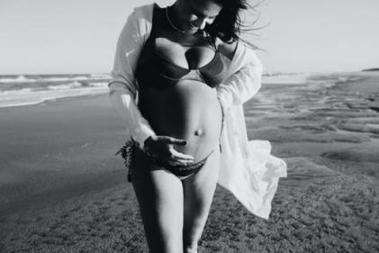 The most stunning (and gorgeously extra) maternity photoshoots trending right now