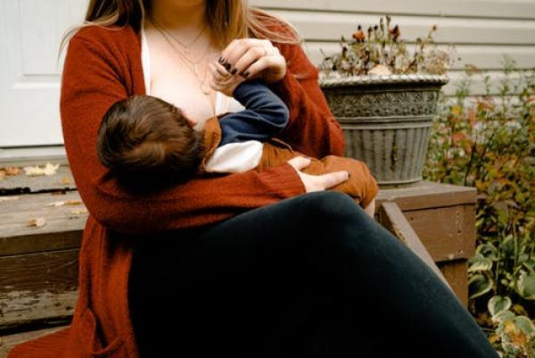 Need breastfeeding support? Check out this mums great idea!