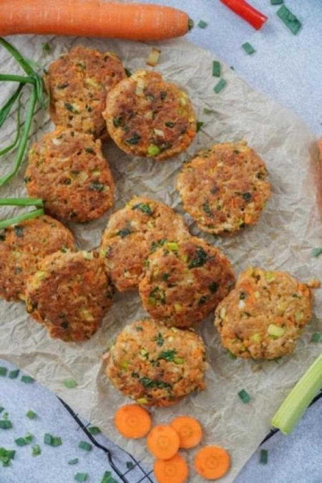 Light lunch time bites: Zucchini parmesan fritters