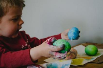How to make our own playdough using ingredients you probably have at home!