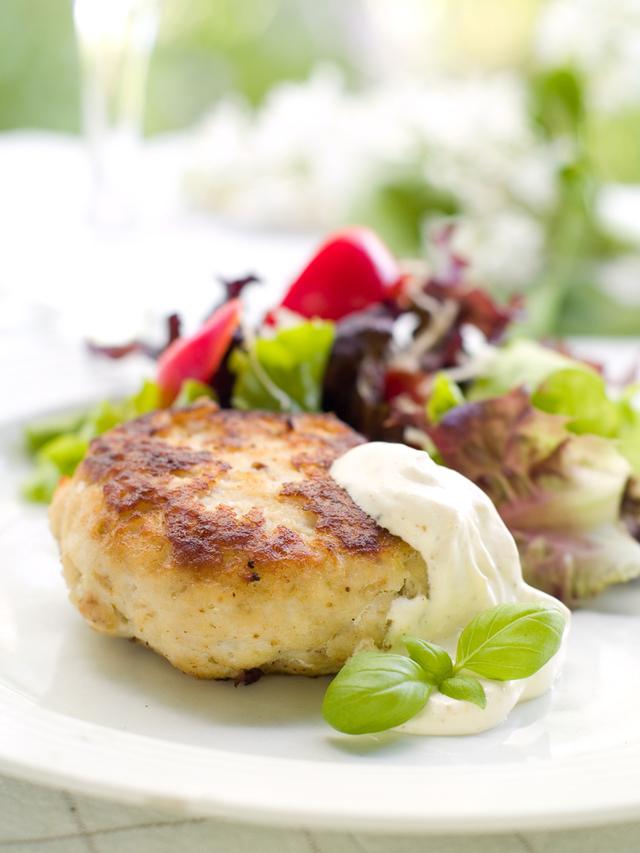Chicken burger with spinach