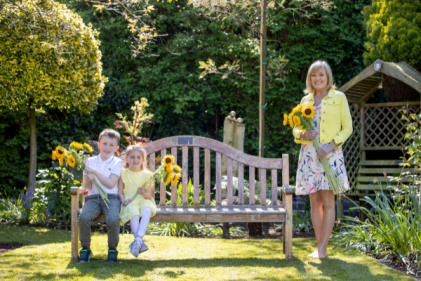 How to dedicate a virtual sunflower in memory of a loved one this June