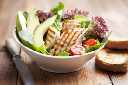 This grilled turkey & avocado salad recipe is a super healthy and filling