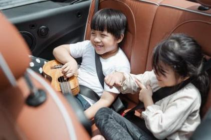 10 things every mum should have ready to go in the car this summer