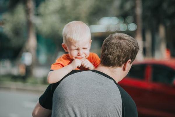 9 tactics for de-escalating your childs next meltdown