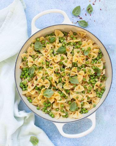 Green Isle Garden Peas, Garlic & Chilli Pasta