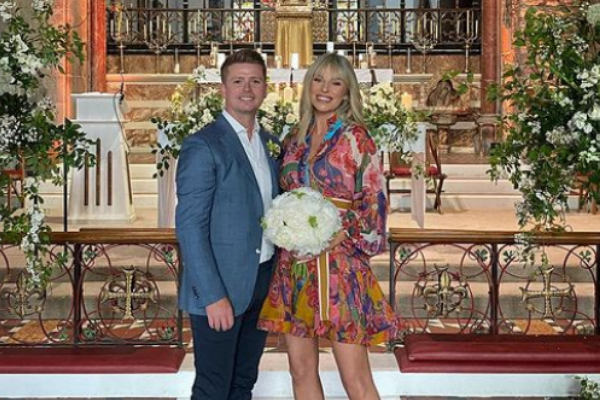 Pippa O'Connor is absolutely glowing as she shows off her bump in new bikini snaps