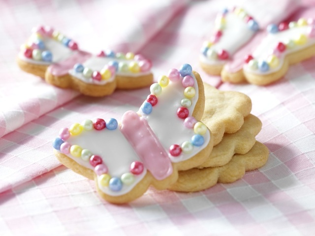 Almond butterfly cookies