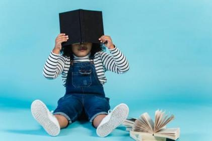 Want to raise readers? Start them young with these prize-winning books and recommendations!