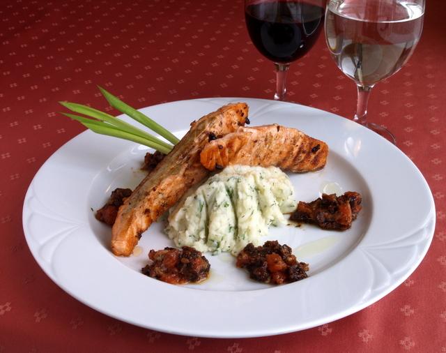 Sautéed Irish salmon fillets with champ-style sauce