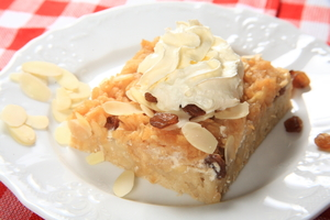 Apple and almond tarts