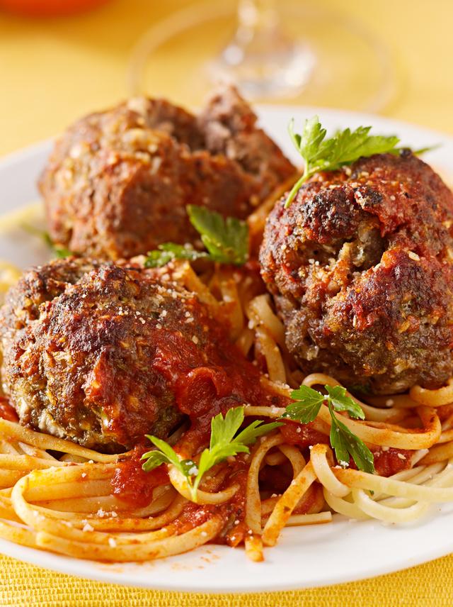 Mozzarella meatballs and spaghetti