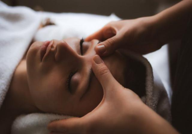 A Pumpkin Latte Facial is just what your dry, dull skin needs this autumn