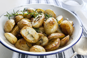 Lemony roast potatoes