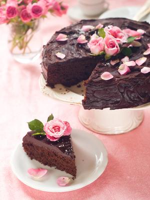 Beetroot chocolate fudge cake