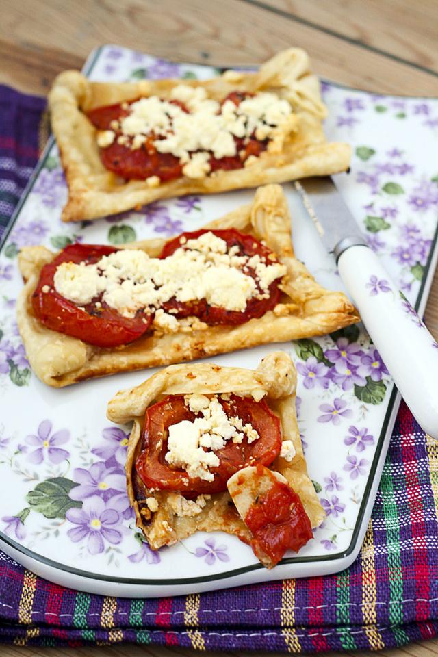 Easy tomato tart