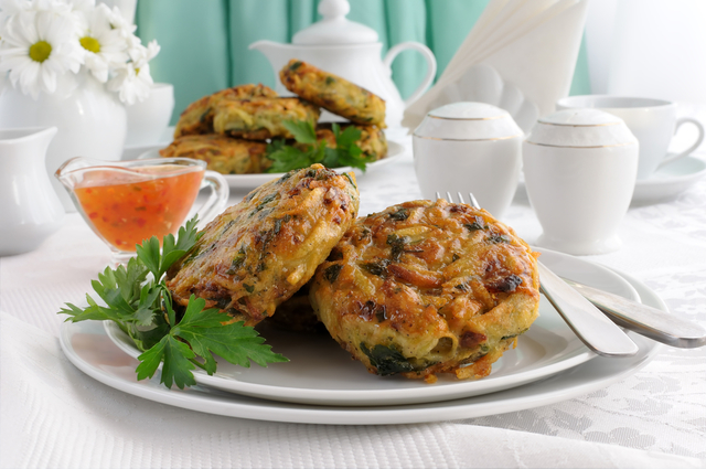 Thai chicken cakes with sweet chilli sauce