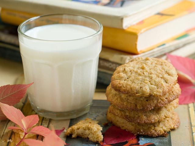 Oaty energy cookies