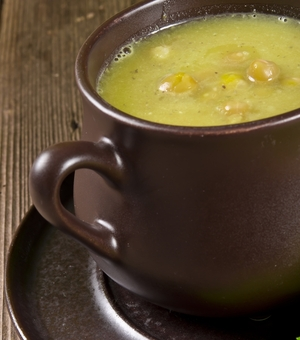 Cauldron soup (Pea and bacon soup)
