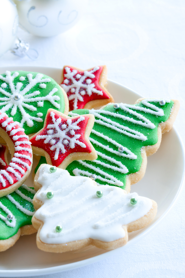 Kid's iced Christmas cookies
