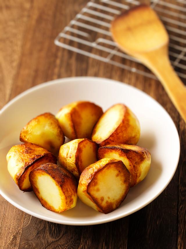 Golden roast potatoes