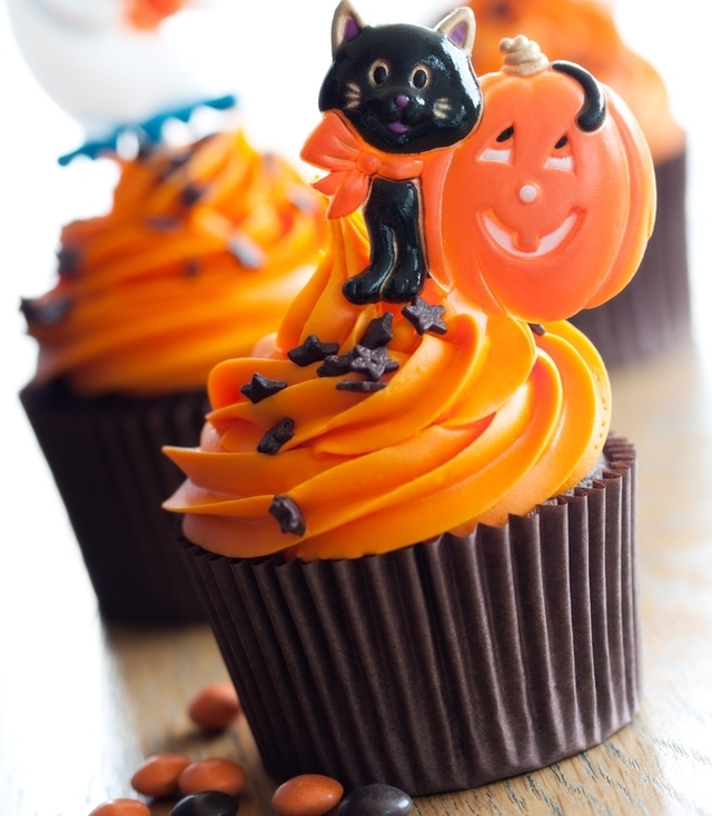 Chocolate and orange halloween cupcakes