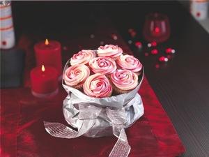 Christmas rose cupcakes