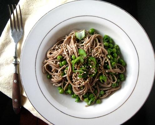 Vegan soba noodle and pea salad
