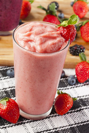 Almond and berry smoothie