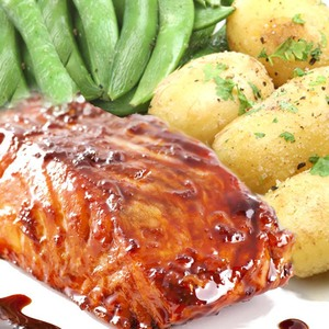 Salmon with soy, ginger and honey