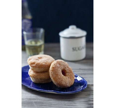 Gluten Free Apple and cinnamon doughnuts