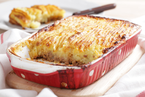 Low fat cottage pie with parsnip mash