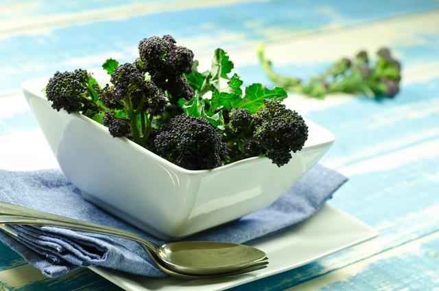 Broccoli with lemon and anchovies