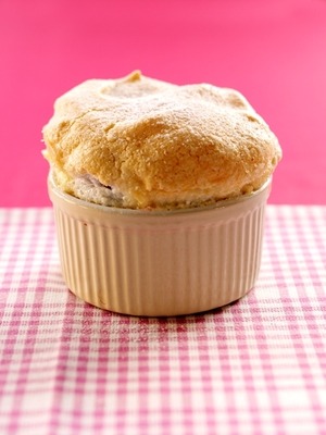 Light raspberry soufflé