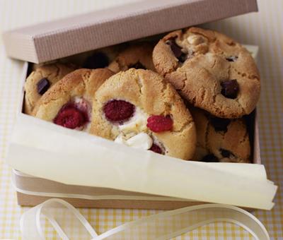 Raspberry and white chocolate chunk cookies