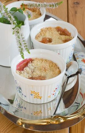 Mini peach crumbles