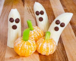 Boo-nana ghosts