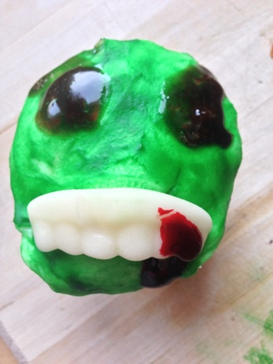 Scary zombie cupcakes