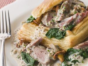 Ham, mushroom and spinach vol-au-vents