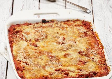 Bacon and tomato pasta bake