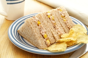 Tuna and sweetcorn with Hellmann's Light Mayonnaise