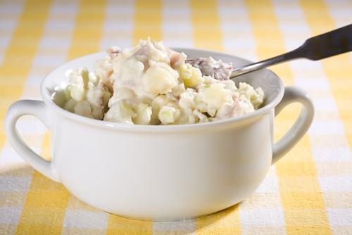 Potato salad with tuna