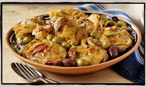 Braised chicken with Spanish olives (pollo con salsa de aceitunas espanolas)
