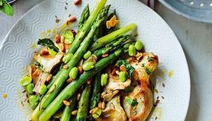 Artichokes and asparagus granada style
